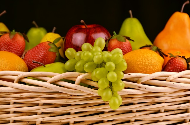 Having healthy snack choices available at work can help keep everyone healthy.